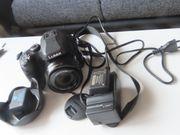 Digitalkamera mit Zubehör