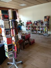 1 9 Bücherflohmarkt