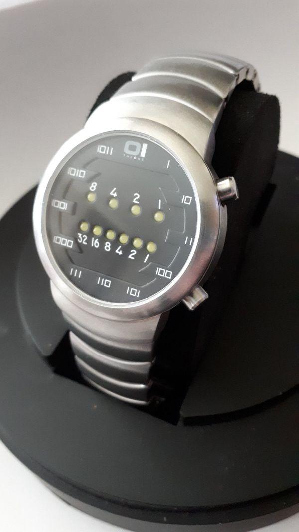 Armbanduhr Die binäre Uhr Uhren
