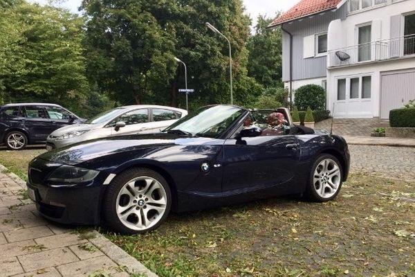 BMW Z4 Ellipsoid 18 Zoll Alufelgen Styling 107 Sommerreifen Komplettradsatz E85 E86 - München Großmarkthalle - Angeboten wird ein Komplettradsatz der eher seltenen Styling 107 Alufelgen für einen BMW Z4 E85 oder E86. Es handelt sich um originale BMW Felgen inkl. Nabenkappen.Die Reifen sind jung (Herstelldatum 2016) und haben folgende Gr - München Großmarkthalle