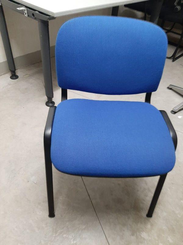 10 Konferenzstühle Stapelbar