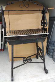 Holzkohlegrill handgefertigt stabile Ausführung Grillfläche
