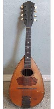 Alte Musikinstrumente als Deko oder