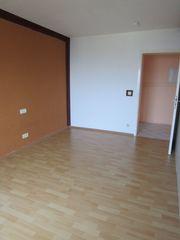 2 Zimmer Wohnung Balkon Garage - Couch -