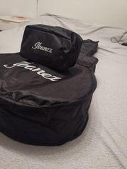 Ibanez Gitarretasche mit Accessoiretasche