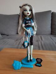Monster High Puppe Frankie Stein