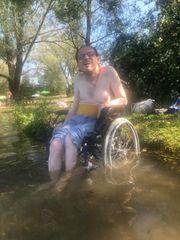 Rollstuhlfahrer sucht nette Frau für