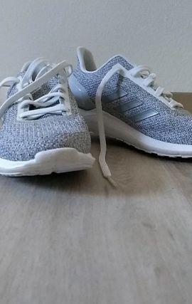 adidas sneakers: Kleinanzeigen aus Hagenbach - Rubrik Damenbekleidung