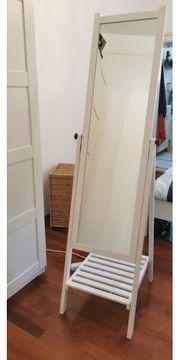 Schöner Ikea Standspiegel aus Holz