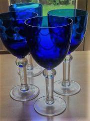 4 blaue Bleikristall-Weingläser