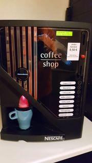 Kaffeevollautomat Nescafe Angelo mit Festwasser