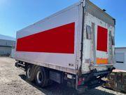 Anhänger - Kühlkoffer mit Ladebordwand - Lagerung