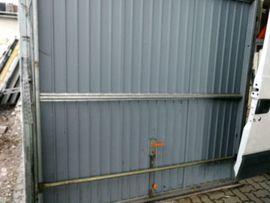 Türen, Zargen, Tore, Alarmanlagen - Garagentor 232 cm breit 219