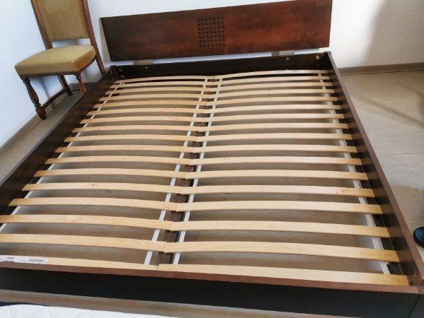 Massiv-Holz Bett mit Lattenrost