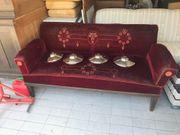 Diverse alte Möbelstücke