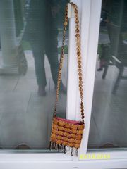 Verkaufe Holz - Umhänge Tasche um 5