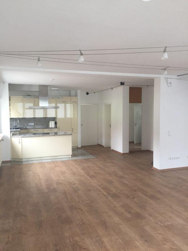 130qm moderne Wohnung mit EBK