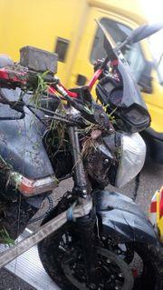Motorrad Suzuki GSR 600 Unfall