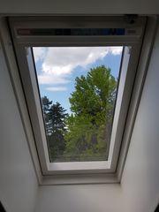 Velux Dachfenster Schwingfenster mit Rollo