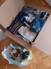Jungs Kleidungspaket Schuhe Spielzeug