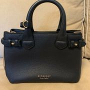 Burberry Handtasche blau Leder Check