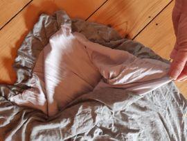 Top Shirt Kleid Holzkette schulterfrei: Kleinanzeigen aus Frankfurt Altstadt - Rubrik Damenbekleidung