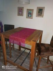 Hochtisch mit 2 Barstühlen