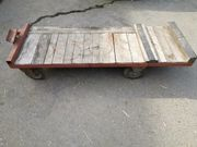 Massiver Rollwagen für KM 22