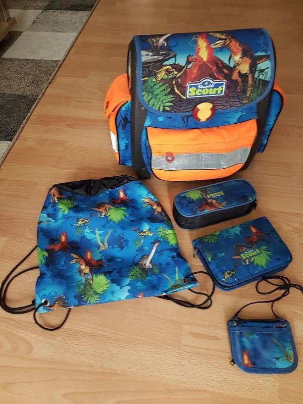 Scout Schulranzen mit Dinosaurier Komplett-Set