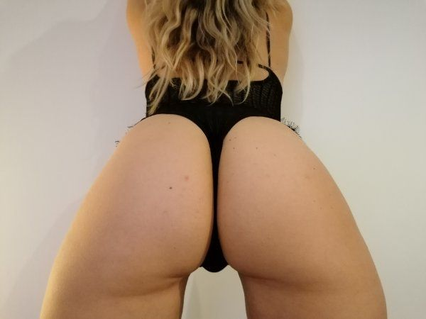 Cam sex live Skype WhatsApp