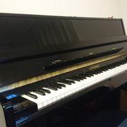 Klavier Marke Hohner