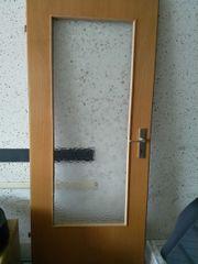 Tür mit Glas