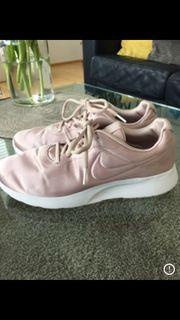 Nike Sneaket