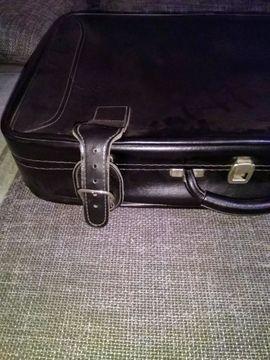 Toller alter schwarzer glänzender Lederkoffer: Kleinanzeigen aus Salmtal - Rubrik Taschen, Koffer, Accessoires