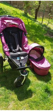 Kinderwagen mit Babywanne Farbe Brombeere