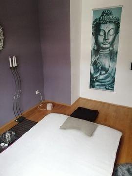 Erotische Massagen - Tantramassage vom ausgebildeter Profimasseurin statt