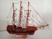 Modellschiff Victori