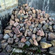 Buntes nicht kantiges Großes Granit