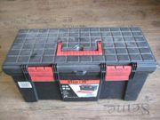 Werkzeugkoffer in Schwarz Rot mit