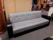 Couch mit Schlaffunktion und 2