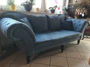 Couch - blau und neuwertig