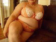 ältere üppige devote Ehefrau sucht