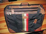 Reisetasche mit vielen Fächern