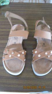 Damen Sandalen zu verkaufen