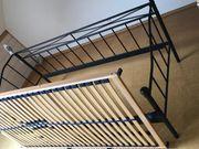 Bett aus Metall