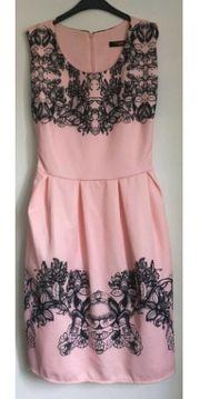 Kleid Größe XS S neu
