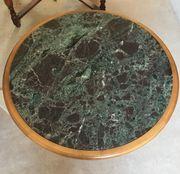 Couchtisch mit grüner Marmorplatte Nussbaum