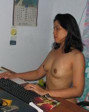 Süßes Tai Girl gibt bilder