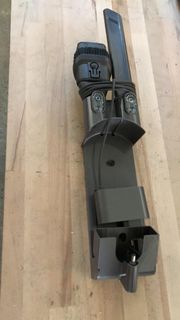 Dyson V6 Ladestation mit Zubehör