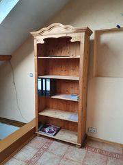 vier Zusammengehörige Echtholz-Möbel auch einzeln